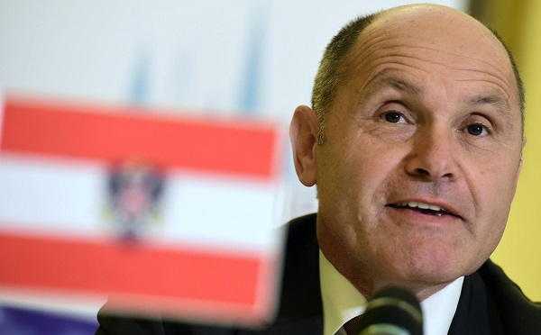 Osztrák belügyminiszter: szükség esetén lezárják a Brenner-hágót