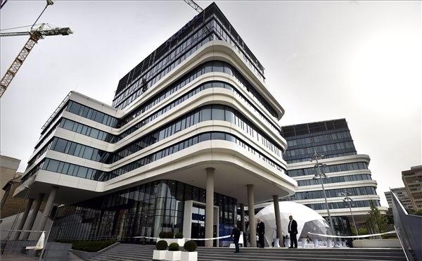 Átadták a Nokia Solutions and Network Kft. új irodaépületén Budapesten