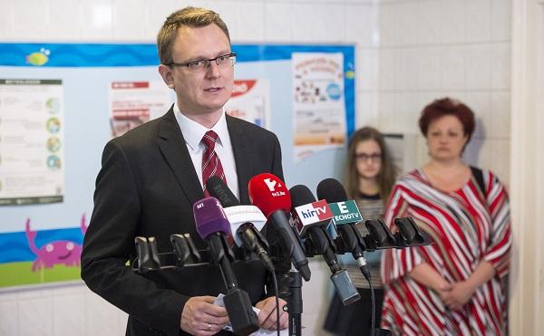 Várólista-csökkentési program: 42 ezerrel csökkent a kórházi várólisták hossza