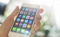 Mobiltelefonos alkalmazás segíti a közügyek intézését