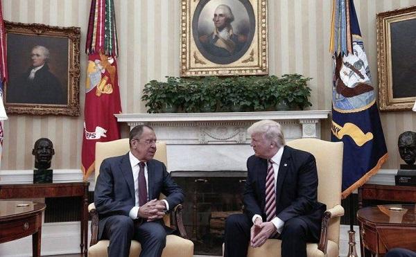 Szergej Lavrov orosz külügyminiszter és Donald Trump amerikai elnök a Fehér Házban tárgyalt