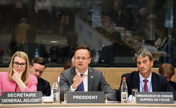 Szijjártó: harmónia kell a nemzetközi szabadkereskedelemhez