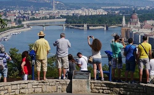 Nőtt a külföldi látogatások száma