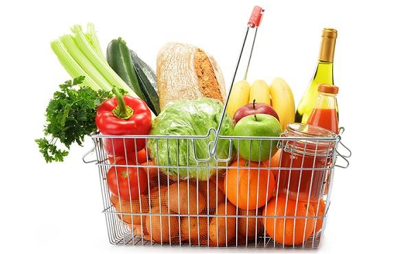 Élelmiszercsomagot osztanak három megyében