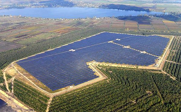 Két napelemes erőmű létrehozását támogatja a kormány