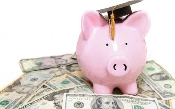 4,4 milliárdos ösztöndíjprogramot indítanak egészségügyi tanulóknak