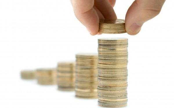 Nő a minimálbér, csökken szociális hozzájárulási adó