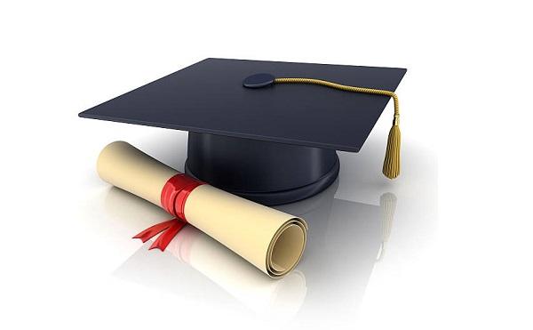 A bírósági végrehajtóknak is jogi diplomát kell szerezniük