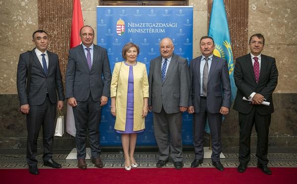 Magyar–kazah kincstári együttműködés indult meg