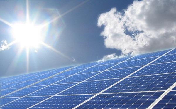 Az atomerőmű és a napenergia közelebb viheti Magyarországot ahhoz, hogy ne kelljen áramot vásárolnia külföldről