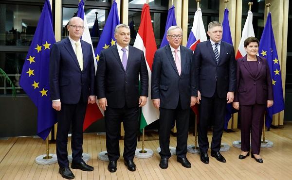 Sikeres tárgyalás a V4 és Juncker között