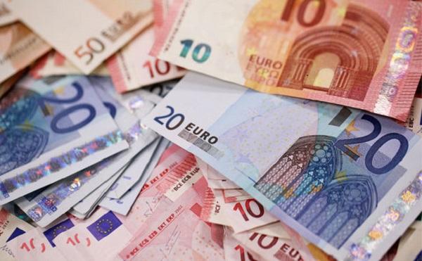 A Ginop keretében a rendelkezésre álló 2700 milliárd forintos pályázati keretből eddig 2 ezer milliárd forintra született pozitív támogatói döntés