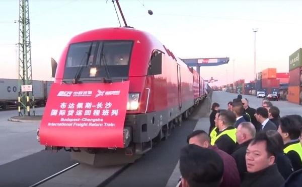 Újabb felívelő szakasz: exportvonatok indultak Kínába