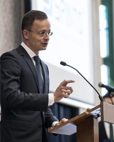 A Spinto Hungária Kft. beruházásnak köszönhetően külföldön is elismert és sikeres szakemberek tértek vissza Magyarországra