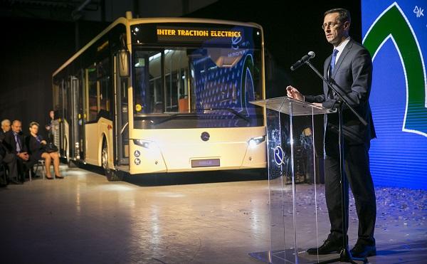 Bemutatták az új típusú buszokat Debrecenben