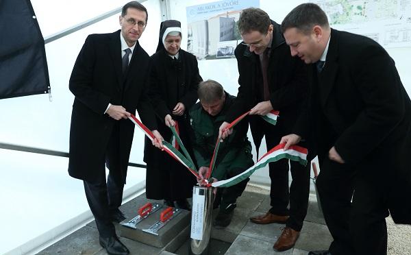 Új épületszárnnyal bővül a Budapesti Szent Ferenc Kórház