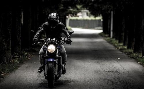 Ittasan és engedély nélkül motorozott