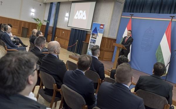 20 százalékkal támogatja a kormány Ada bútorgyártó beruházását