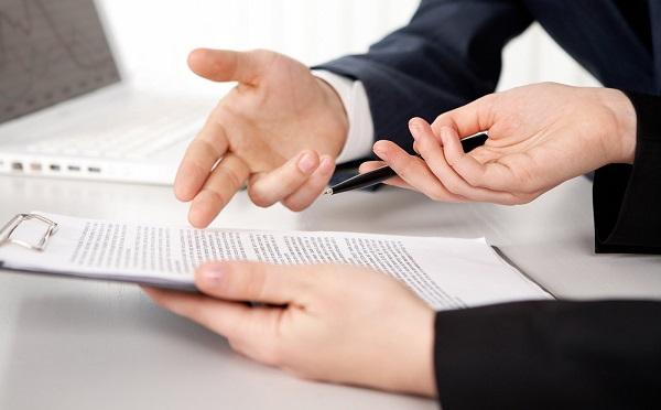 Egyes esetekben a munkáltató köteles ajánlatot tenni a munkavállalónak a munkaszerződés módosítására