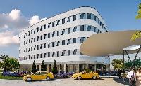 Megnyílt az első terminál-összeköttetésű repülőtéri szálloda