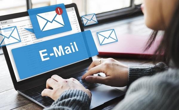 Lehet e-mailben tudatni a felmondást?