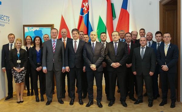 Tanácskoztak a V4 nemzeti fegyverzeti igazgatói