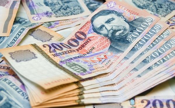 A minimálbér a garantált bérminimum emelésének hatására nőnek a bérek