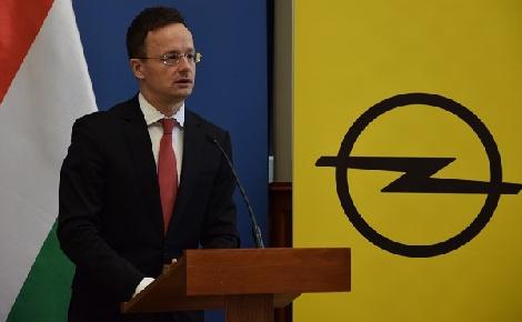 Az Opel tulajdonosváltása nem okos problémát