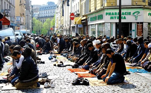 Új bevándorlási törvénytervezet vitat a francia nemzetgyűlés