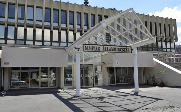 Az ÁSZ által javasolt módosításokat vezet be az államkincstár