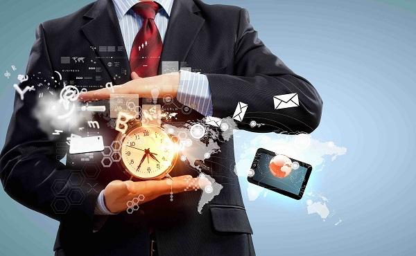 Időt és pénzt spórol a mesterséges intelligencia a kormányzásban