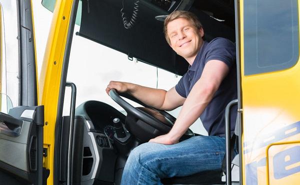 Hivatásos gépjárművezetők képzését támogatják
