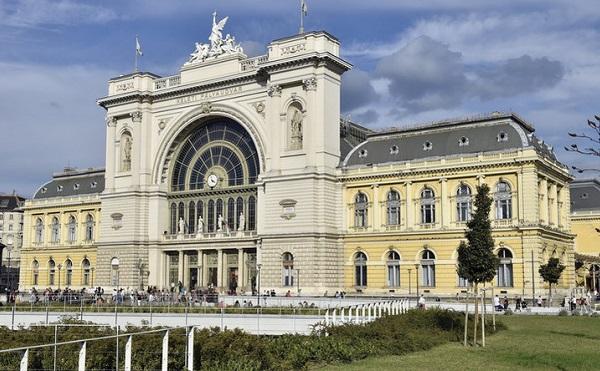 Kormányablak nyílt a Keleti pályaudvaron