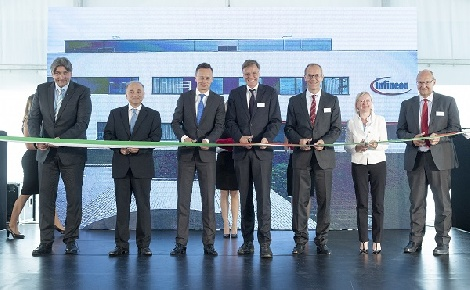 Az elektromobilitást elősegítő központ nyílt Cegléden
