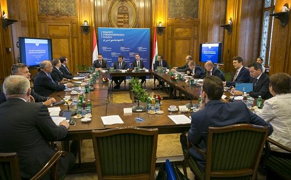 Gazdaságfejlesztési stratégiát tárgyalt a Versenyképességi Tanács