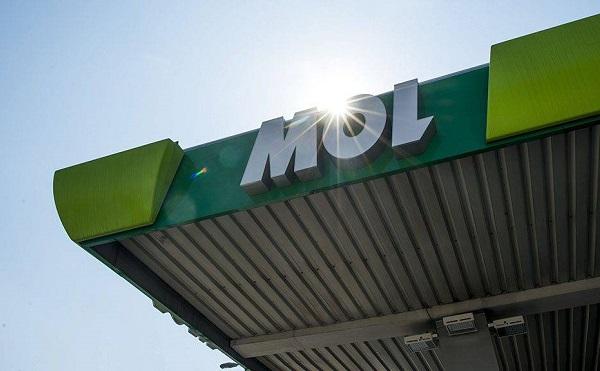 Műanyag újrahasznosításba kezd a Mol