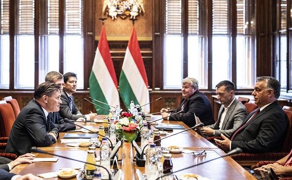 A Roszatom vezetőjével tárgyalt Orbán Viktor