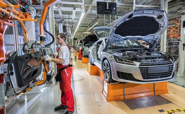 Ezermilliárdos rekordot is elérhető jövőre az autóipar
