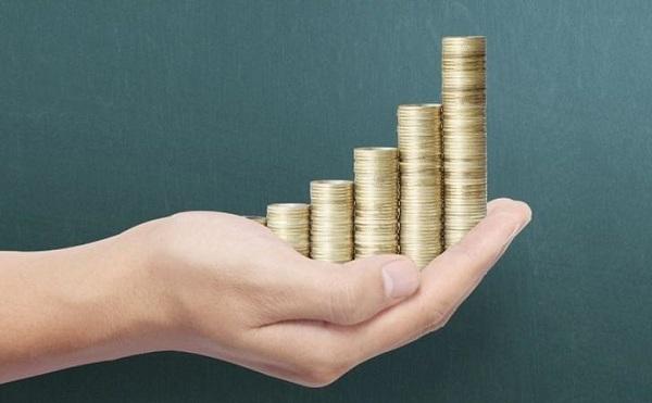 Közel 325 ezer forint az átlagos bruttó bér