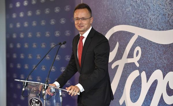 Új szolgáltató központot nyitott a Ford Magyarországon