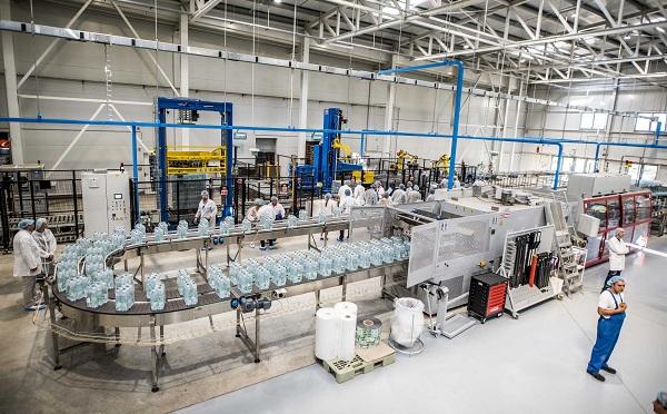 Hétmillió eurós kapacitásbővítő beruházást adott át a Szentkirályi-Kékkúti Ásványvíz Kft.