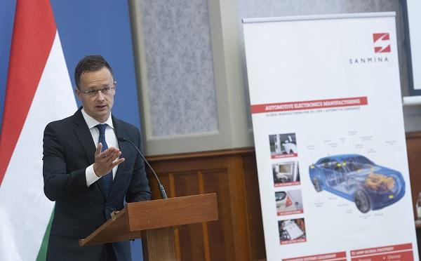 Újabb innovatív autóipari befektetés jön Magyarországra