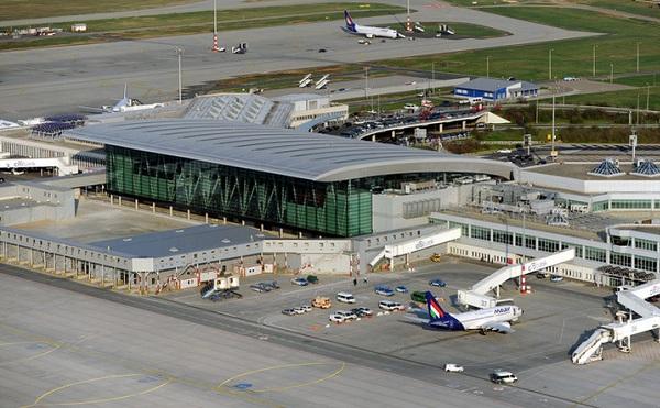 Átadták a ferihegyi repülőtér új utasforgalmi épületét