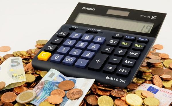Jelentős adócsökkentés a kisvállalkozásoknak