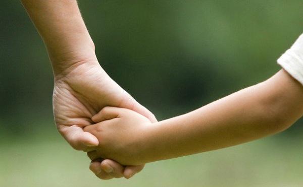 Bevezetik a gyermekek otthongondozási díját