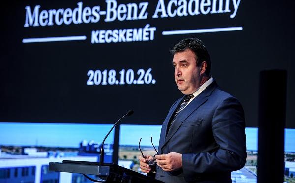 Átadták a Mercedes Benz Academyt