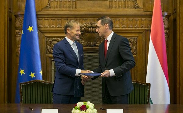 Uniós hitel segíti a magyarországi fejlesztéseket