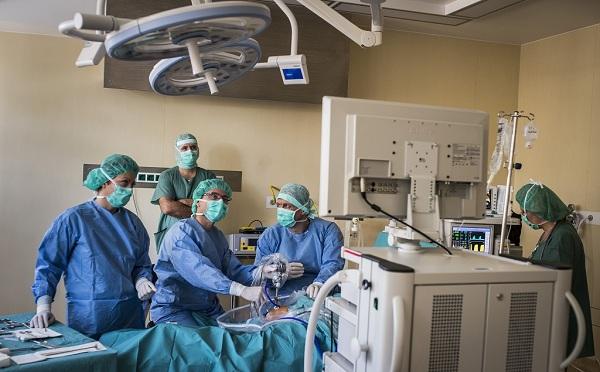 Húsz egynapos sebészet létesül az országban