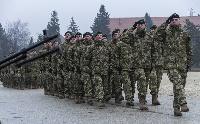 Magyarország növeli katonái számát a KFOR-ban