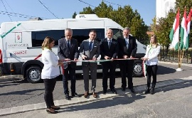Kormányablak buszt adtak át Veszprém megyében
